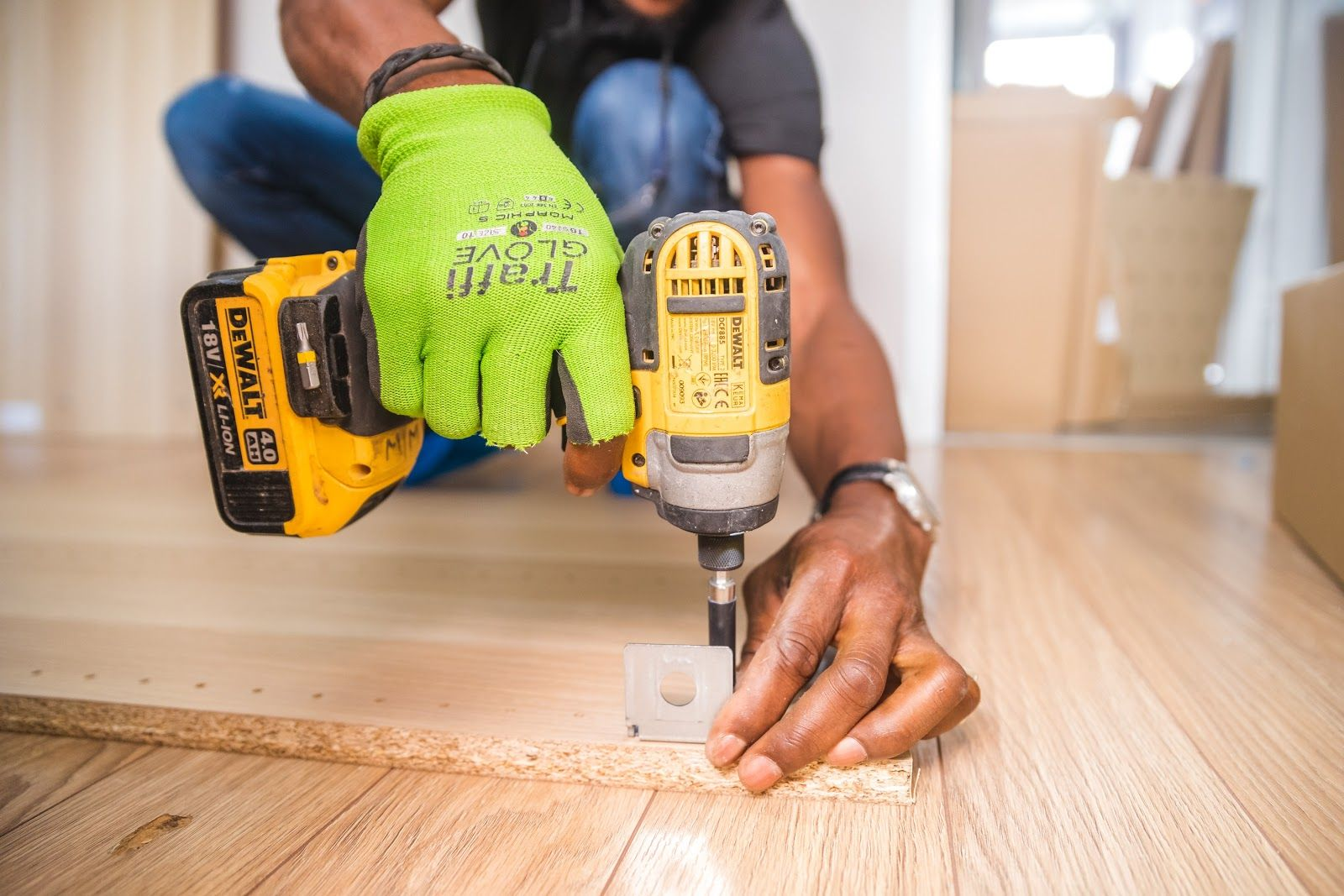 How to Create a Handyman Invoice (Templates & Examples)